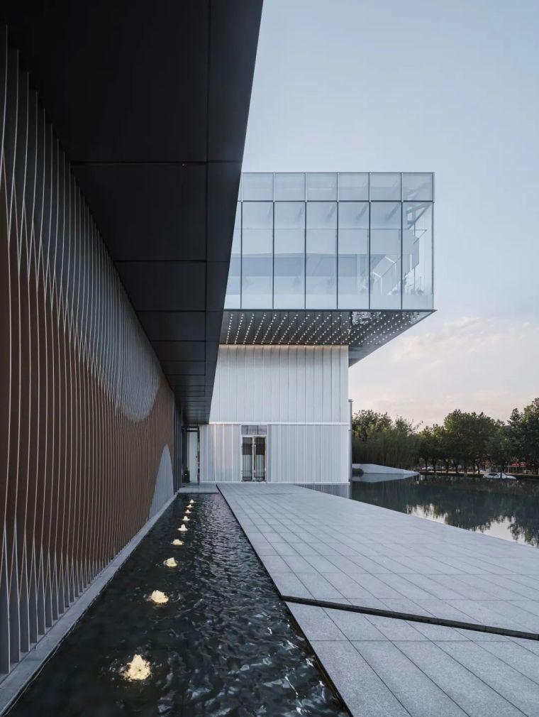 """悬浮的玻璃盒子——美景""""示范区""""_14"""