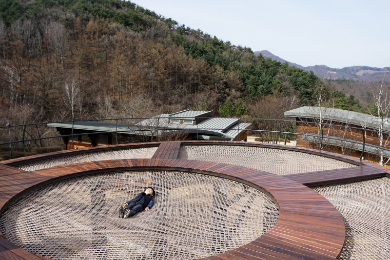 韩国大型休闲吊床装置实景图6