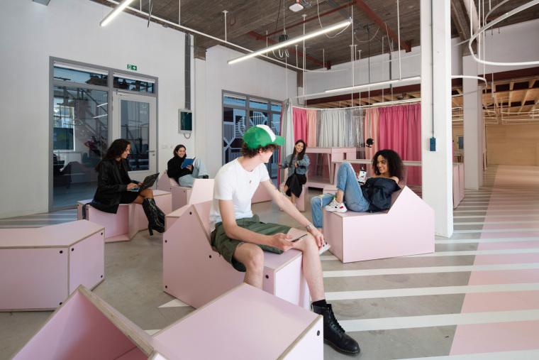 荷兰Zadkine时尚学习研讨会室内实景图7