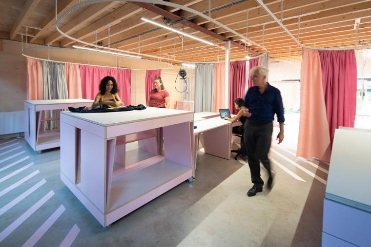 荷兰Zadkine时尚学习研讨会室内实景图5