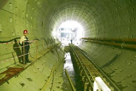 隧道工程机械化施工(93页,ppt)-沉埋管段法