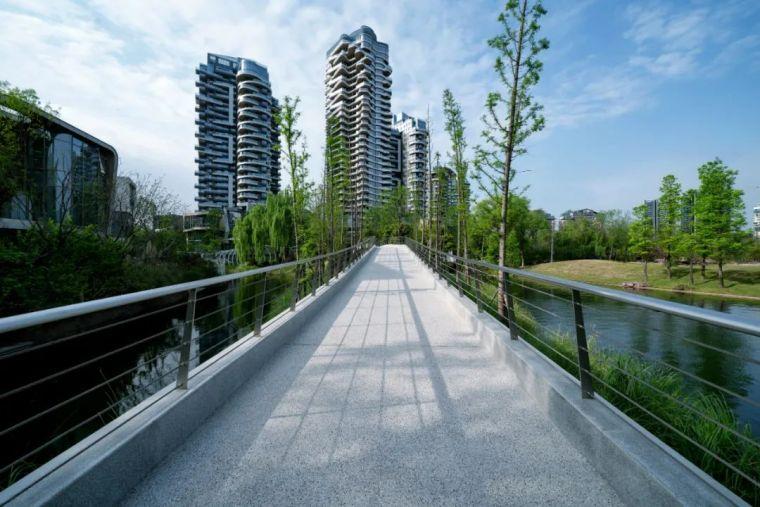 成都麓湖G5滨湖景观改造实景图 (9)