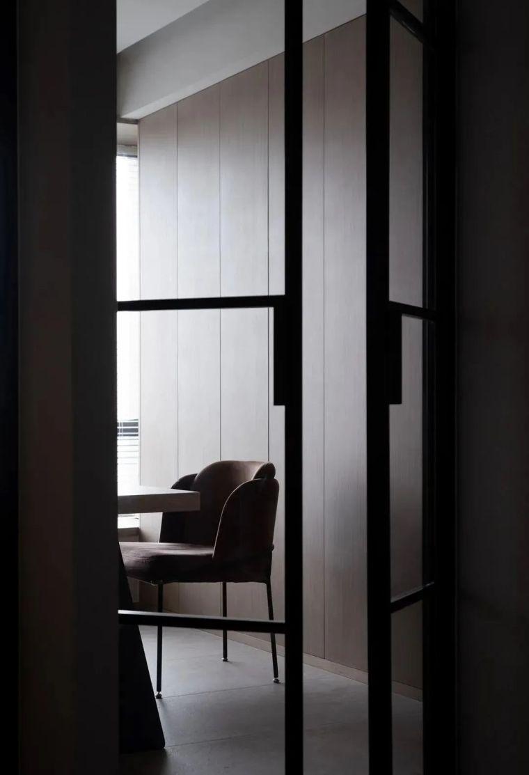 木饰面板+雾化壁炉,越简约越舒适_3