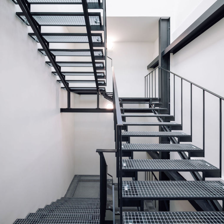 葡萄牙旧的四层锡工厂改建办公空间室内实景图5