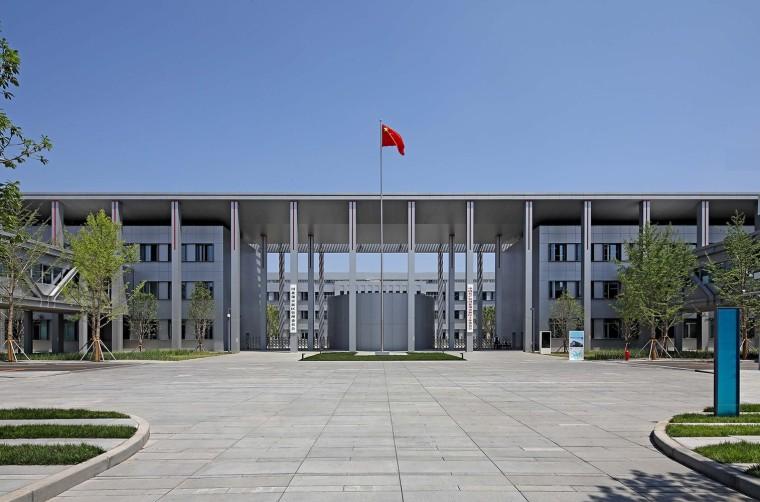 保定雄安党工委管委会及雄安集团办公楼外部实景图1