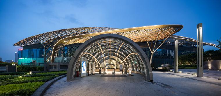 公园中的商场-广州天环广场实景拍摄_21P-广州天环广场 (5)