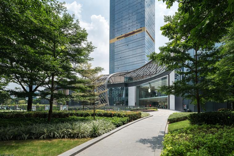 公园中的商场-广州天环广场实景拍摄_21P-广州天环广场 (4)