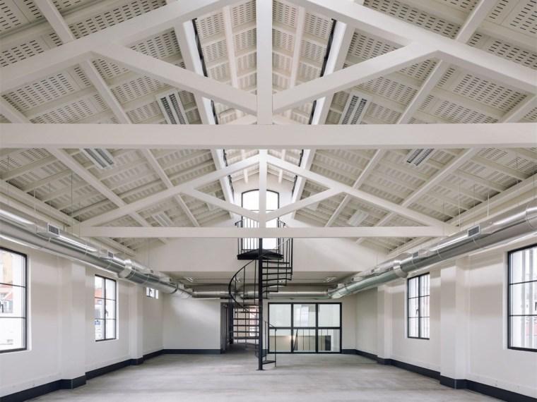 葡萄牙旧的四层锡工厂改建办公空间-00