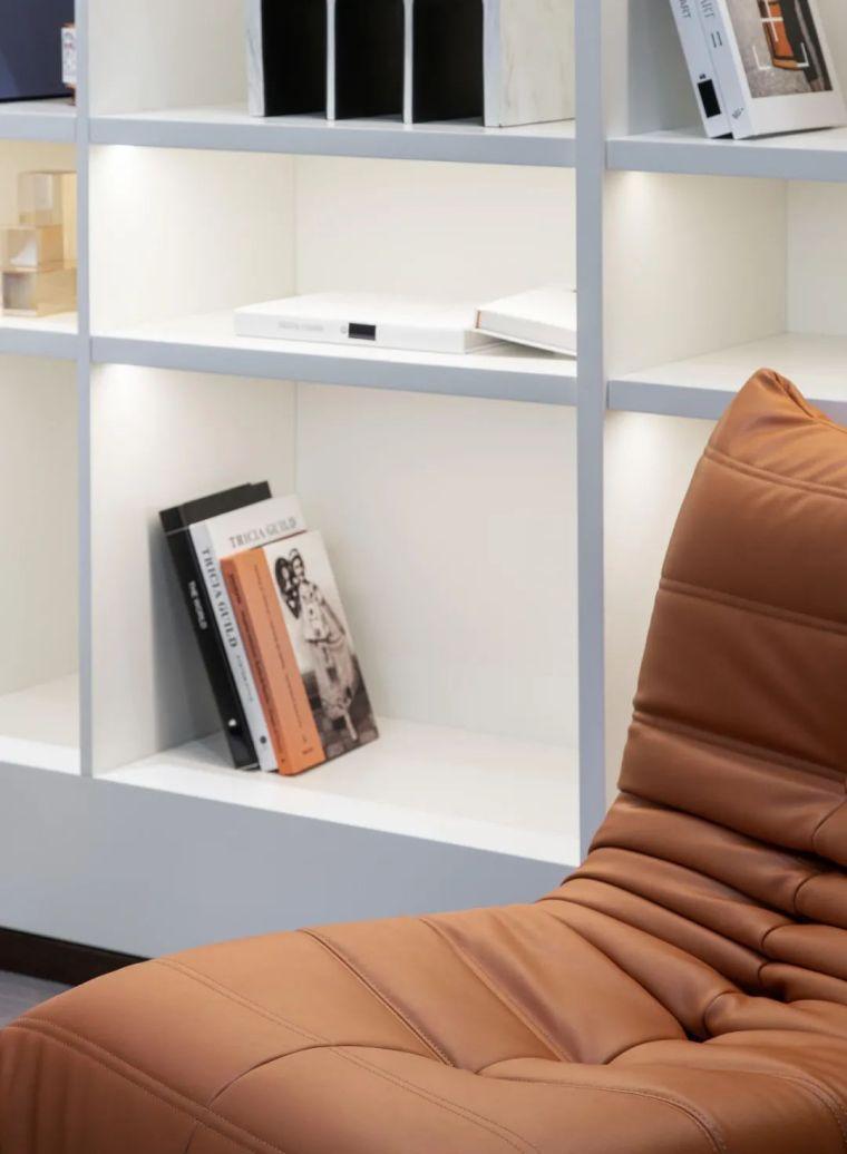 现代时光里的永恒和诗意的住宅样板间室内实景图13