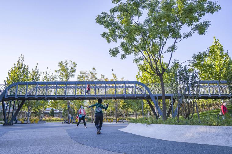 北京西长安街文化艺术公园实景图8
