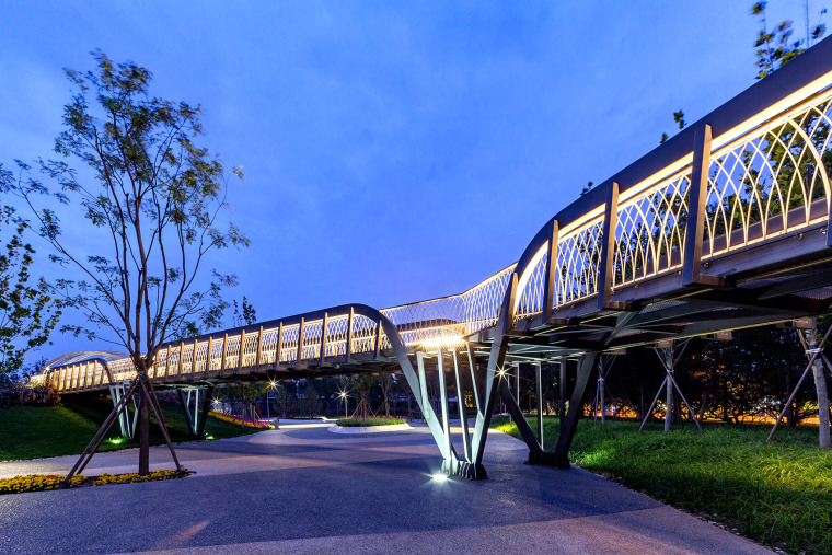 北京西长安街文化艺术公园实景图9