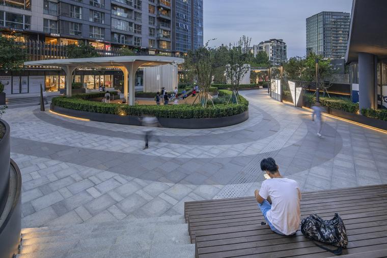 北京凤凰汇·里巷改造实景图11