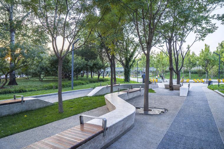 北京西长安街文化艺术公园实景图23