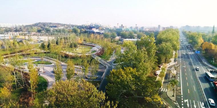 北京西长安街文化艺术公园实景图1