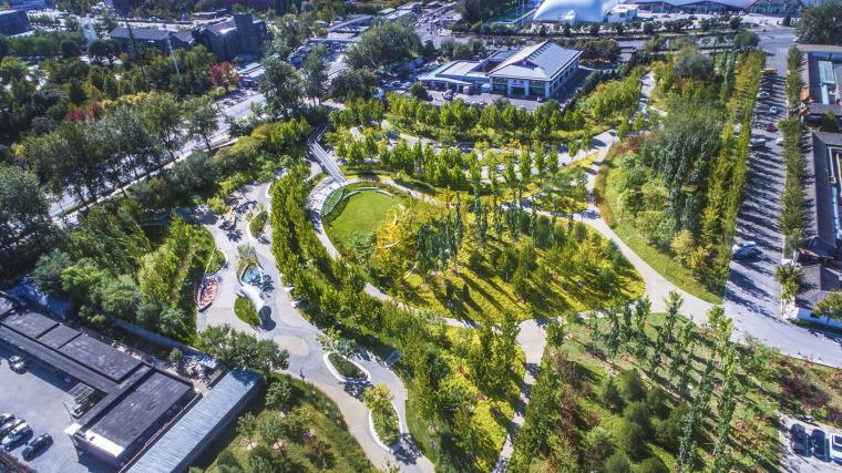 北京西长安街文化艺术公园实景图