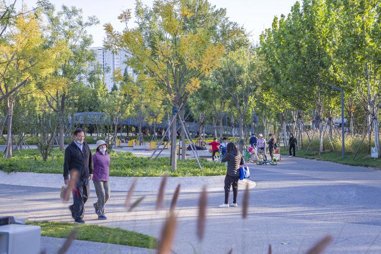 北京西长安街文化艺术公园实景图6