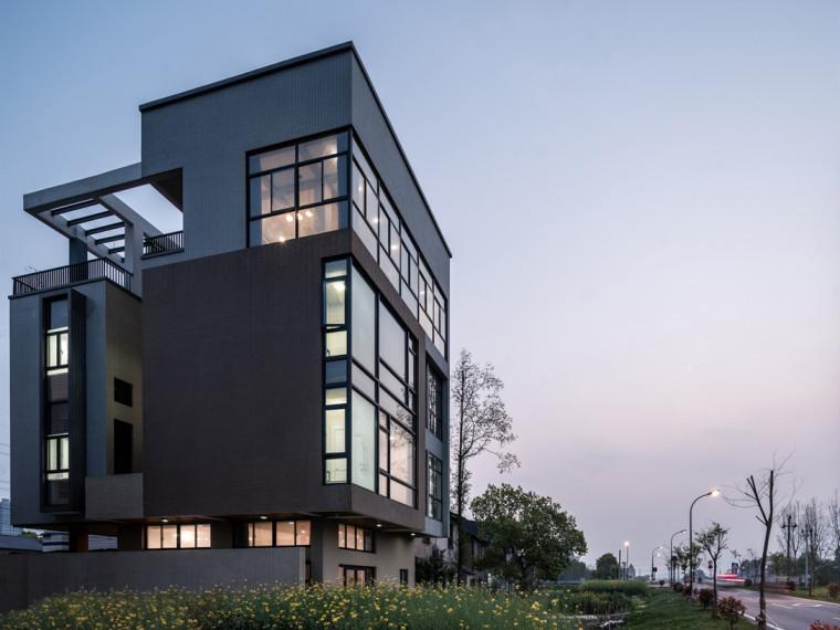 32层框剪结构住宅楼烟道施工方案-110946nzmaymbczf9odoz3