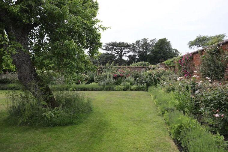 花园比房子还好看的古堡,园林设计绝了_7