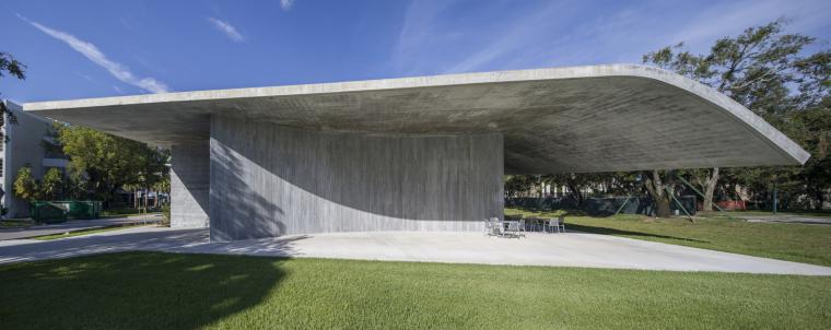 美国迈阿密大学建筑学院外部实景图