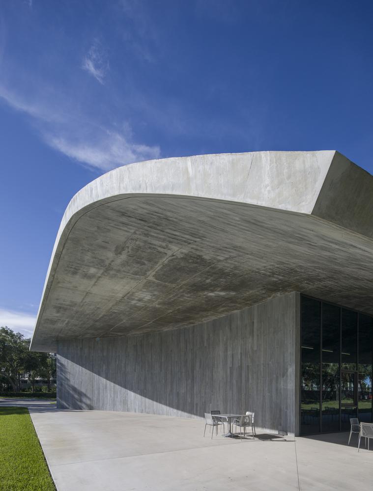 美国迈阿密大学建筑学院外部实景图2