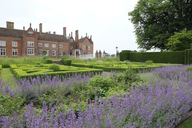 花园比房子还好看的古堡,园林设计绝了_1