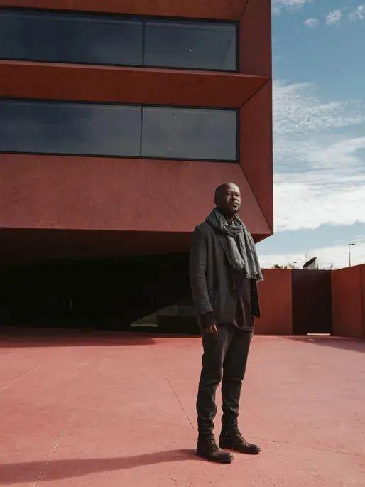 建筑大师为什么没有黑人?_2