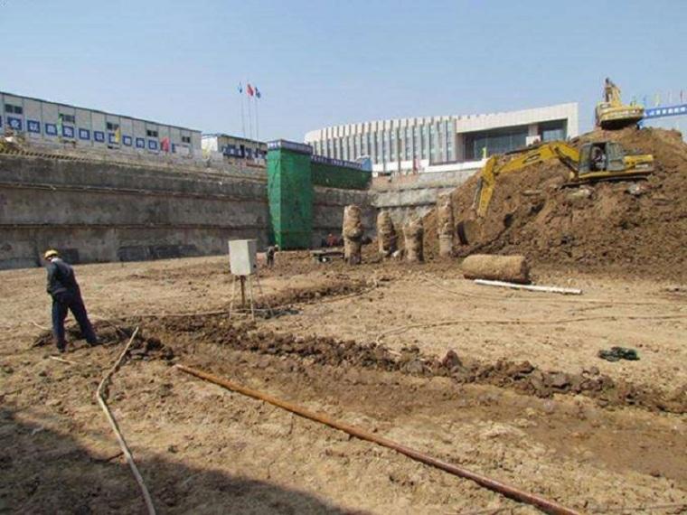 住宅楼基坑轻型井点降水专项施工方案-施工现场
