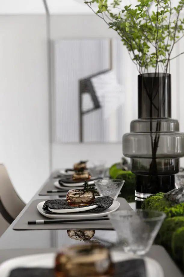 金属、大理石、皮革,精致自然的高品质空间_19