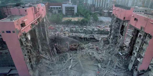 甲方一意孤行改设计,大楼20秒塌为平地_12