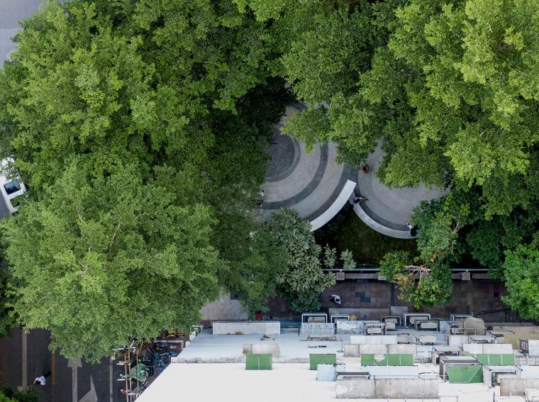 广州东山少爷南广场社区公园改造实景图1