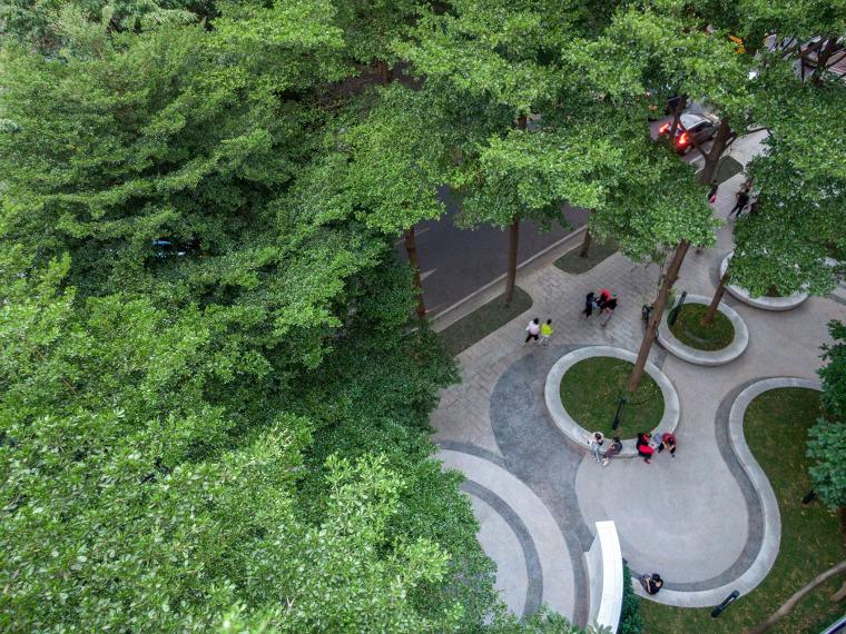 广州东山少爷南广场社区公园改造实景图2