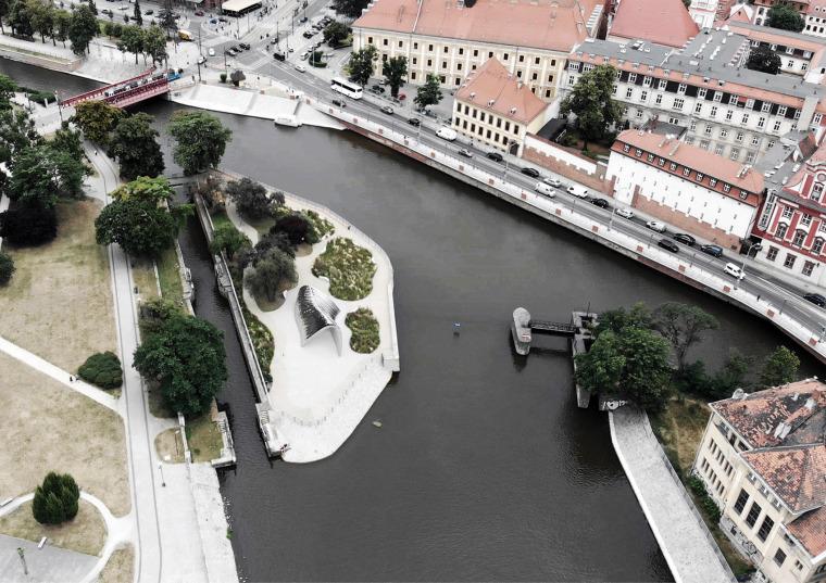 波兰NAWA公共雕塑实景图