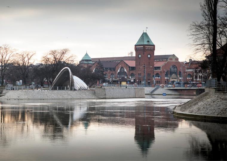 波兰NAWA公共雕塑实景图4
