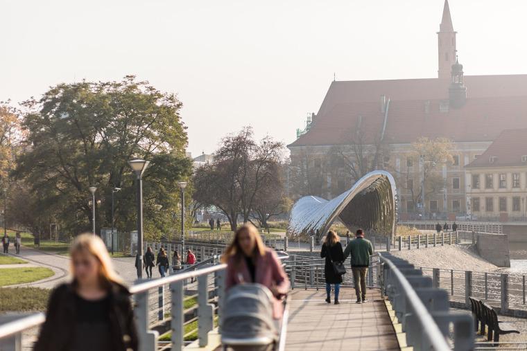波兰NAWA公共雕塑实景图2
