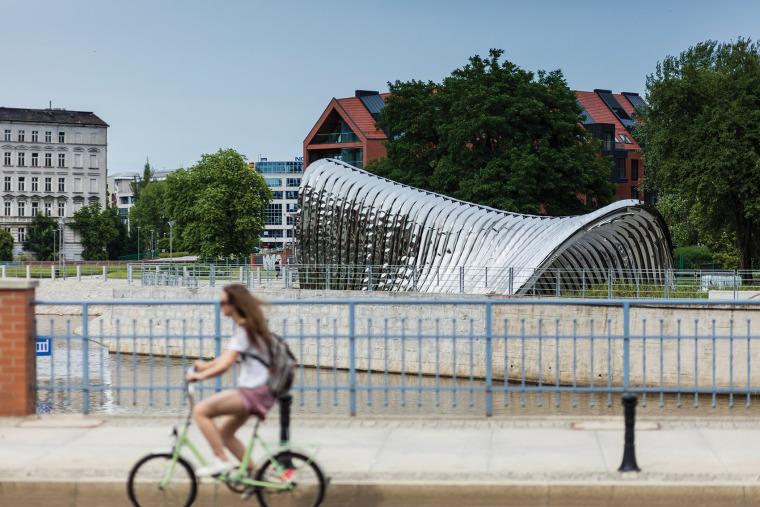 波兰NAWA公共雕塑实景图5
