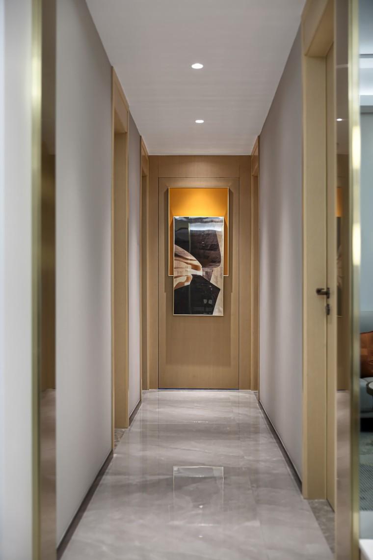 现代轻奢风的居住空间室内实景图7