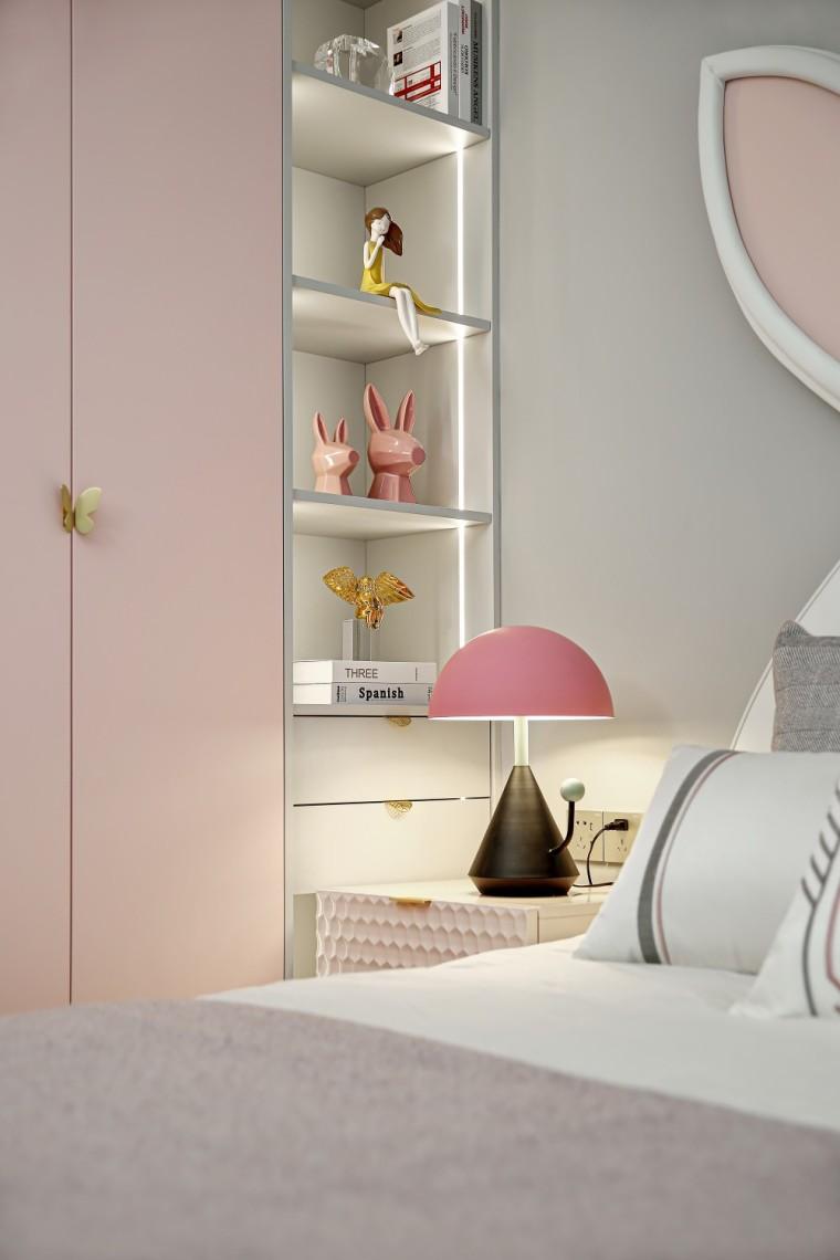 现代轻奢风的居住空间室内实景图12