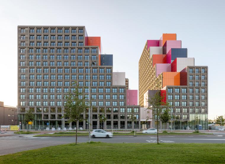荷兰OurDomain学生公寓外部实景图