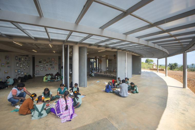 印度Agastya国际基金会的艺术与创新中心外部实景图2
