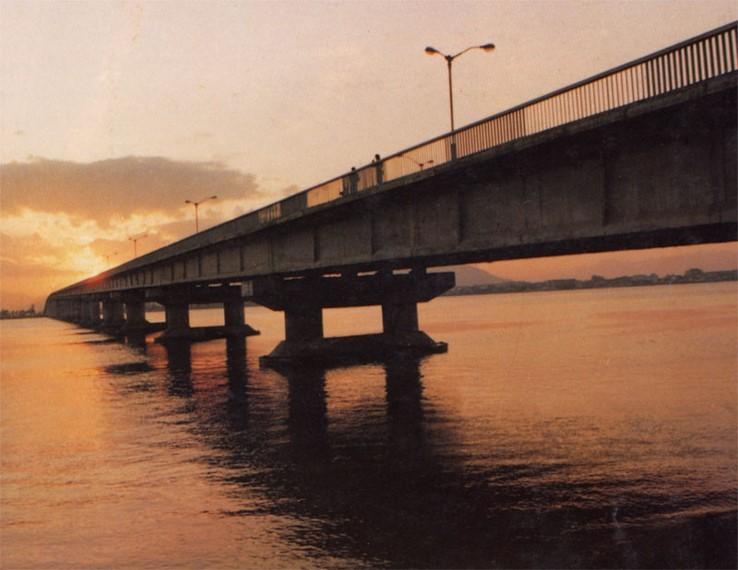 预应力混凝土简支梁桥(板)的构造与设计-飞云江桥
