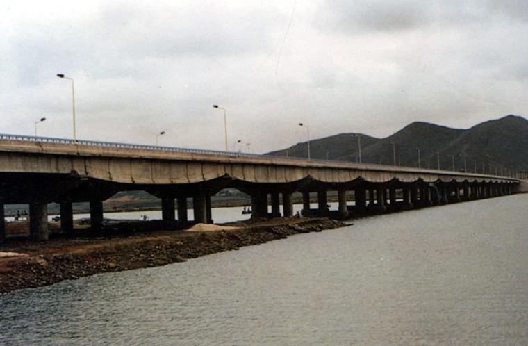 预应力混凝土简支梁桥(板)的构造与设计-普兰店海湾桥