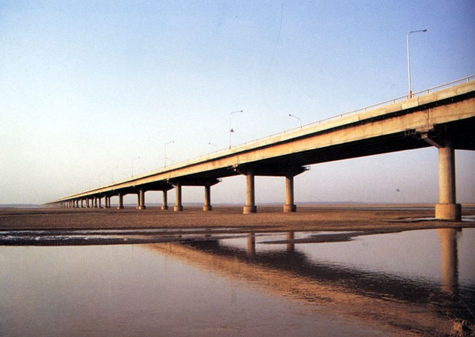 预应力混凝土简支梁桥(板)的构造与设计-开封黄河大桥