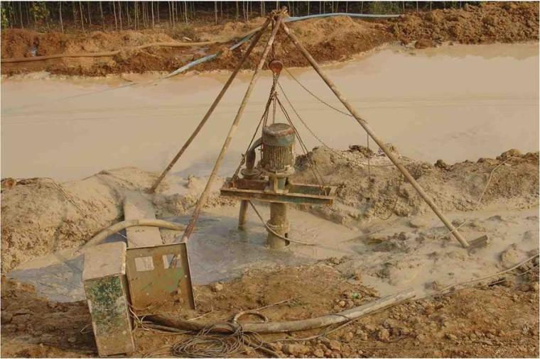 桥梁墩台与基础施工技术(79页)-泥浆池