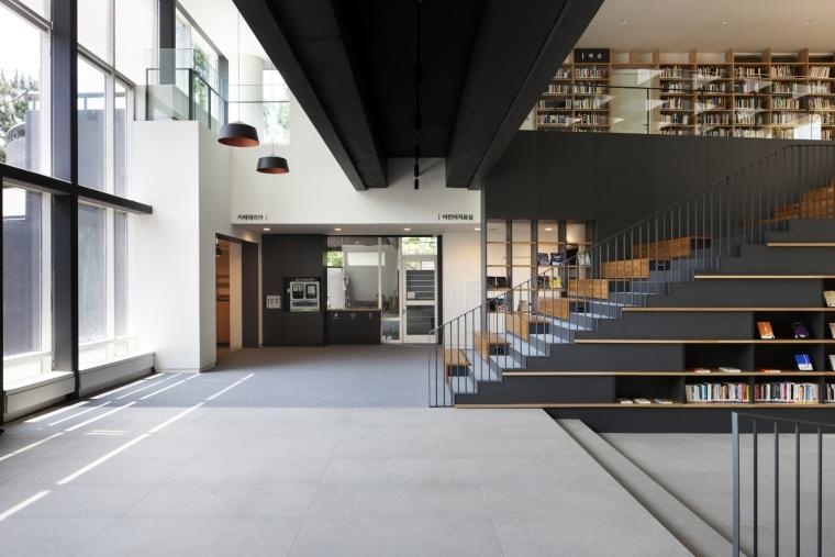 韩国独山图书馆室内实景图7