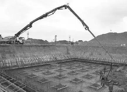 一栋33层住宅从基坑开挖到竣工的整个流程_6