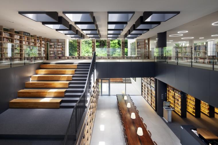 韩国独山图书馆室内实景图