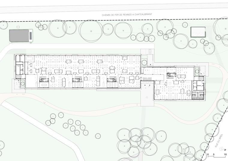 法国Additi办公楼平面图1