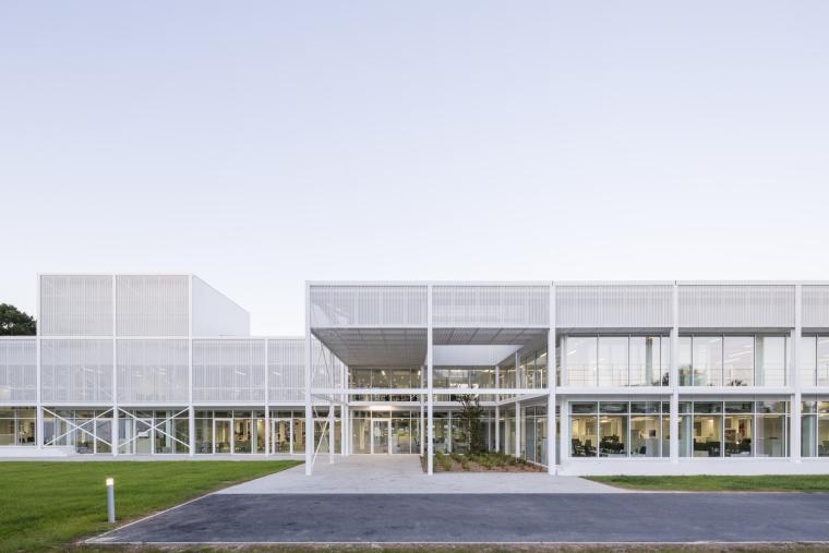 法国Additi办公楼外部实景图