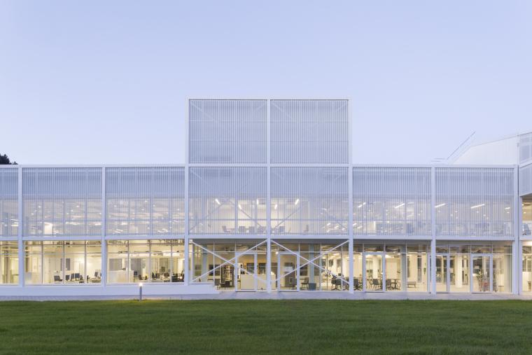 法国Additi办公楼外部实景图1