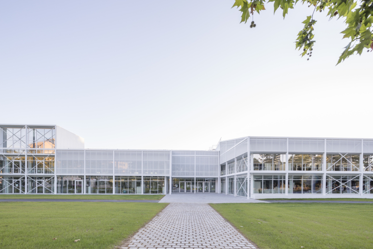 法国Additi办公楼外部实景图7
